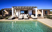 A photo of a luxury villa in Formentera with swimming pool